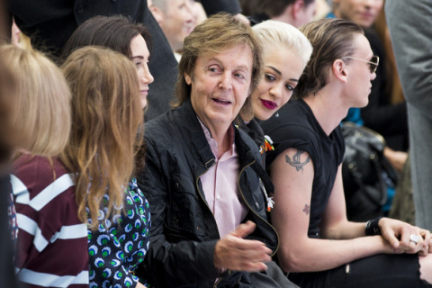 05London_fashion_week_-_Paul_McCartney_a_Rita_Ora_copy