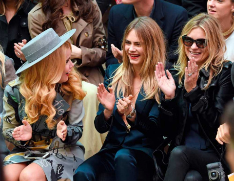 02London_fashion_week_-_Paloma_Faith_Cara_Delevingne_a_Kate_Moss_na_prehlidce_Burberry_Prorsum