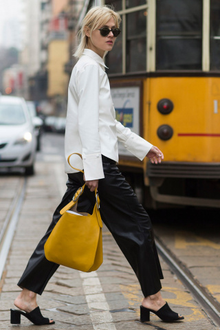 01 mules white top black pants mustard bag street style 3785a