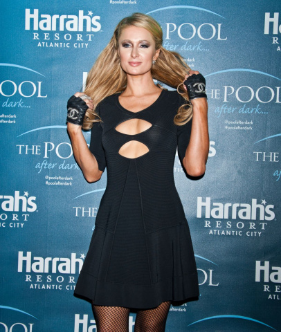 paris-hilton-celebrates-her-birthday-at-the-pool-after-dark-at-harrah-s-in-atlantic-city_1