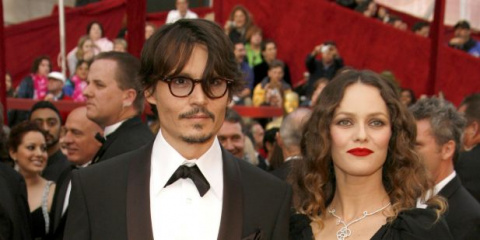 o JOHNNY DEPP VANESSA PARADIS facebook 03016