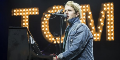 o TOM ODELL facebook f8e19