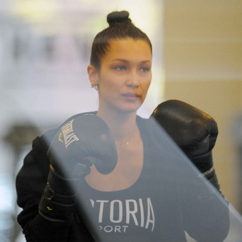 bella hadid jpg 9319 north 499x white c77ea